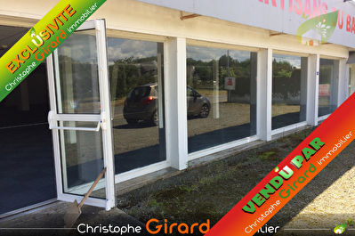 Local commercial  1200 m² Proche axes St MALO (35400) / DINAN (22100)...