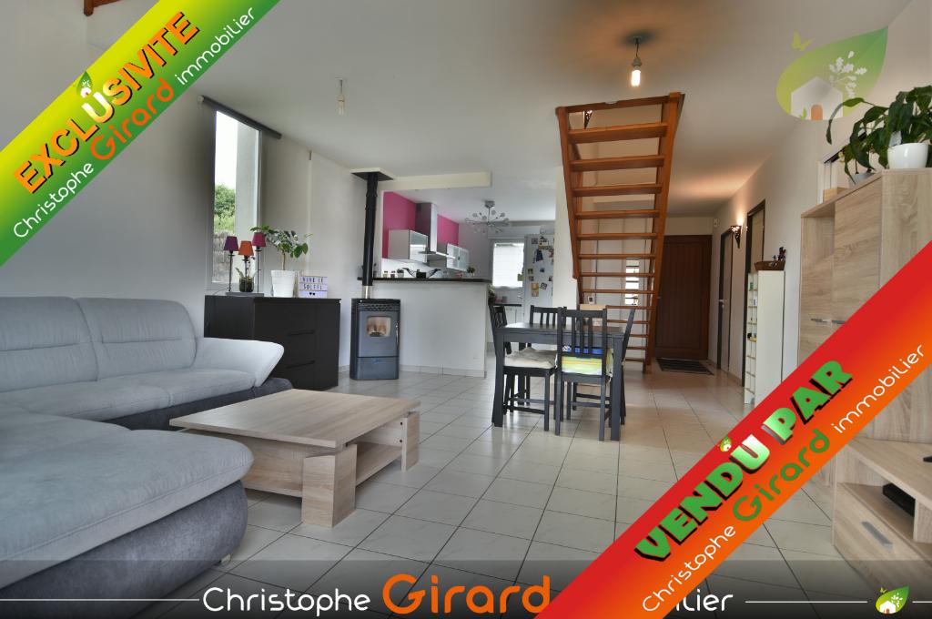 A TINTENIAC (35190)  charmante maison 4 pièces de 90 m².